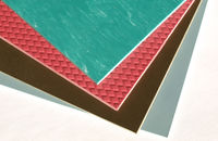 Układanie płytek podłogowych z PVC