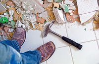 Stare płytki w łazience – jak je odnowić?