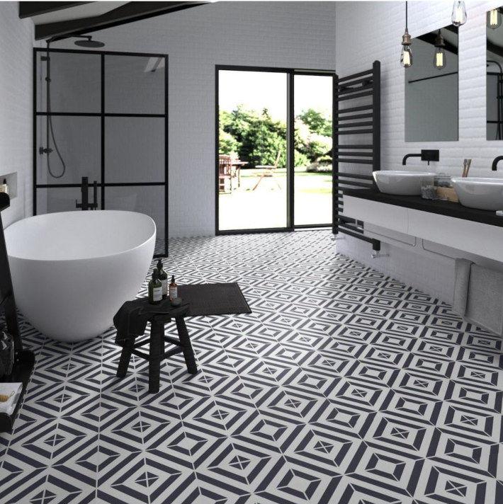 Czarno białe Panele winylowe w łazience