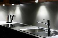 Oświetlenie kuchni – blatu, stołu i szafek
