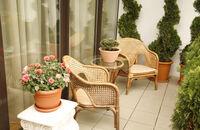 Mały balkon - jak go urządzić, aranżacje i inspiracje