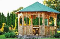 Altana w ogrodzie: materiały i kwestie techniczne