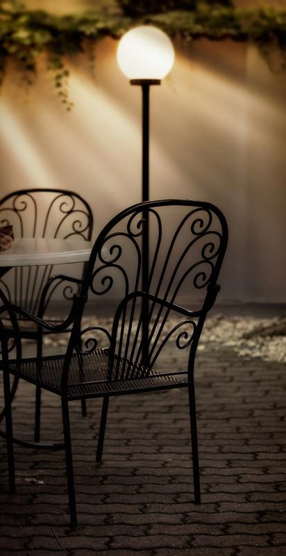 Dobieramy Dekoracyjne Oswietlenie Na Tarasie I Balkonie Porady Leroy Merlin
