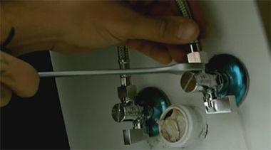 Montaż baterii i syfonu