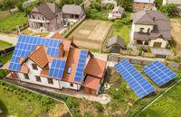 Kolektory słoneczne i ogniwa fotowoltaiczne, czyli darmowa energia w domu