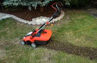 Jak działają wertykulatory i aeratory do trawy, ręczne i elektryczne?