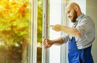 Montaż okna lub drzwi balkonowych