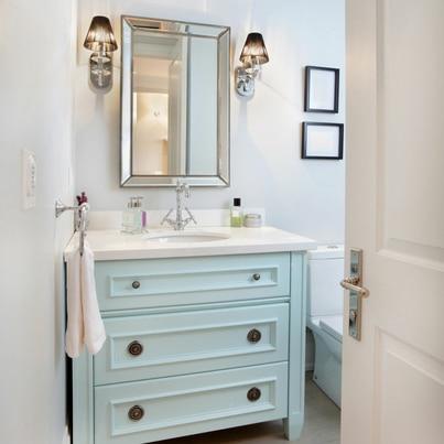 Jasna łazienka z akcentem retro